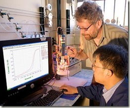 Scientists-Piotr-Zelenay-and-Gang-Wu-at-Los-Alamos-National-Laboratory_zoom_player